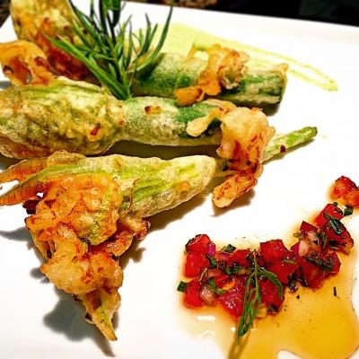 Beignets de fleurs de courgettes farcies aux gambas et estragon on my kitchen - Fleurs de courgettes farcies ...